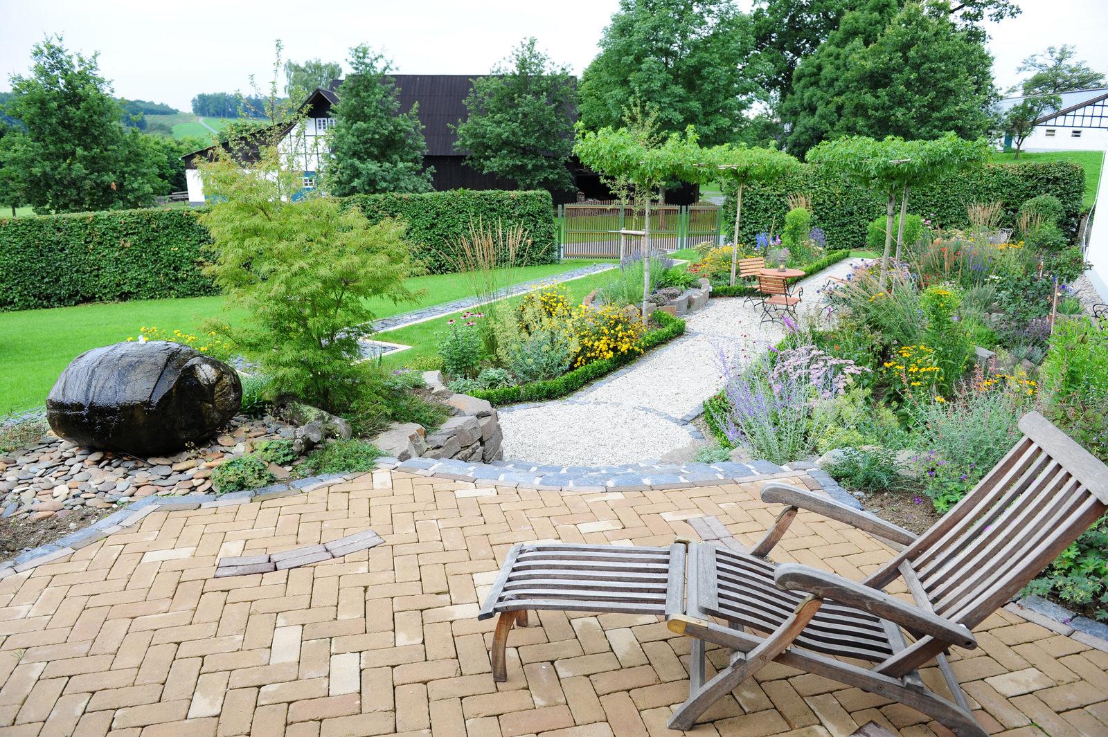 Bauerngarten salamon gartengestaltung gartenbau for Gartengestaltung landhaus
